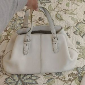 Cole Haan White Leather Green Lining Bag!💜